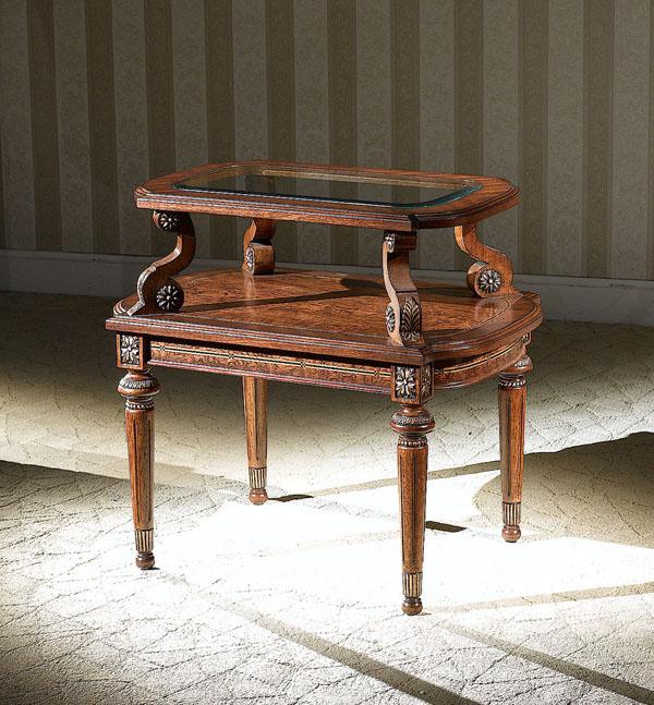 LV 634 CORNER TABLE (31xW21xH28)